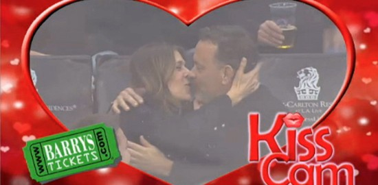 Tom Hanks Kiss Cam Rita Wilson