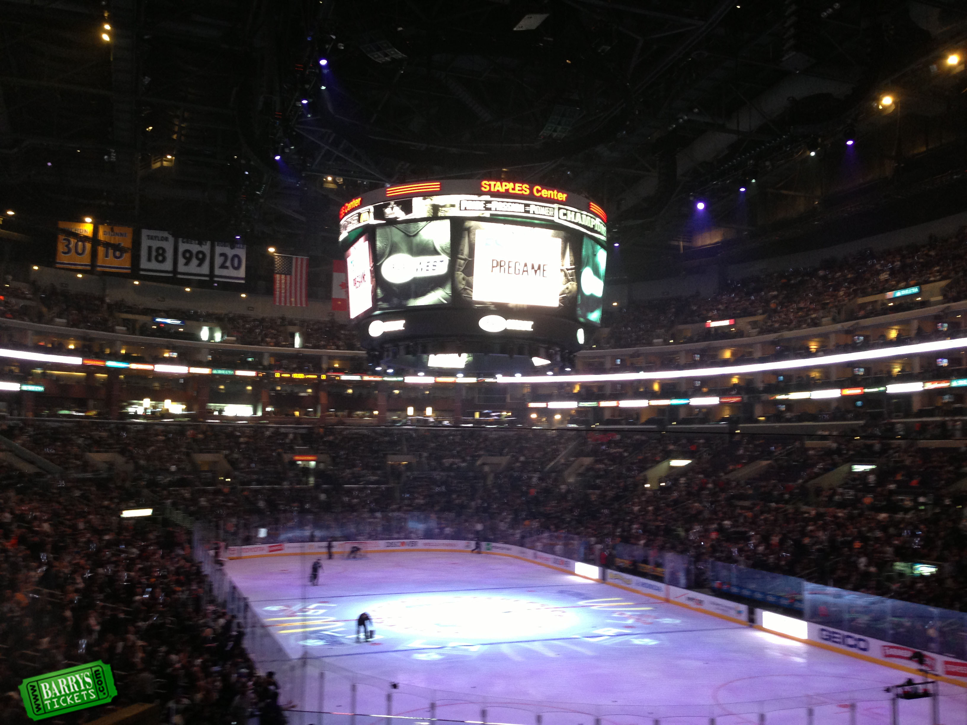 Fan Pictures From La Kings Game At Staples Center