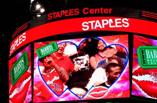 LA Clippers Kiss Cam