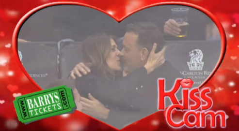 Kiss Cam Tom Hanks Rita Wilson