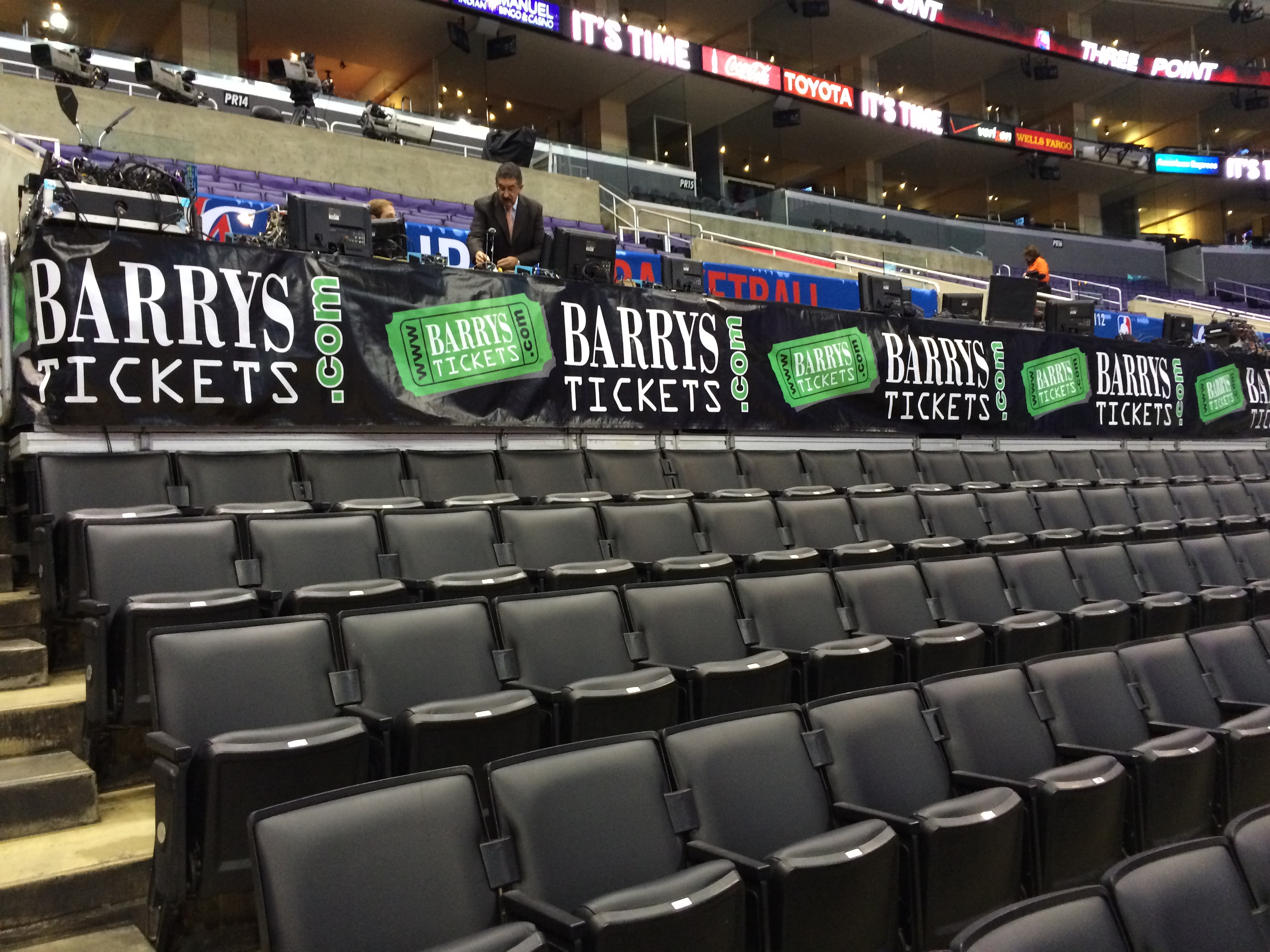 Barry's Tickets Logo Clippers Game Staples Center