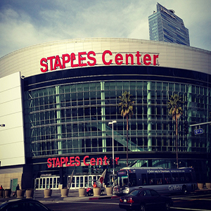 Where do the Lakers Play Staples Center